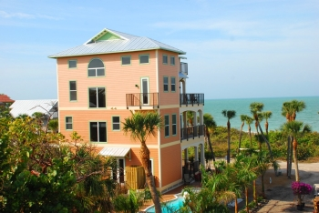 2 to 6 Bedroom Beach homes on a private tropical island only acessible by boat - Florida