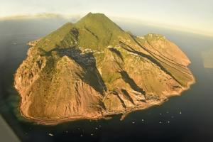 Saba Island overview